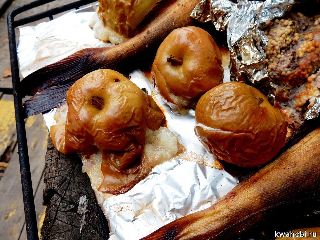 яблоки печёно-копченые в кирпичной печи-коптильне
