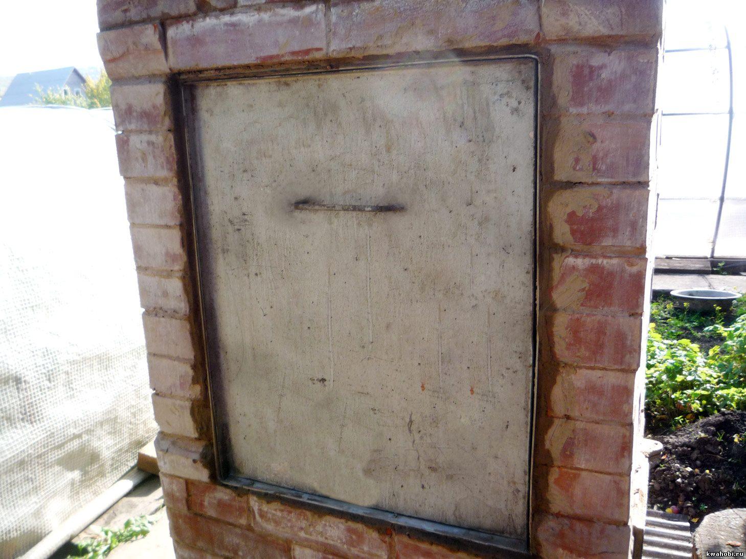 уличная печь с мангалом и коптильней крышка закрыта