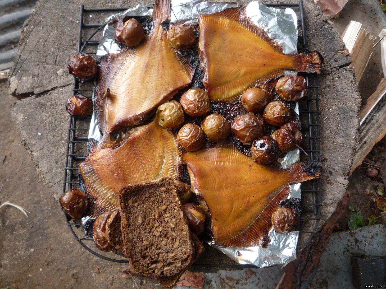 уличная печь с мангалом и коптильней камбала копчёная