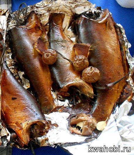 судак горячего копчения в кирпичной печи-мангале коптилке