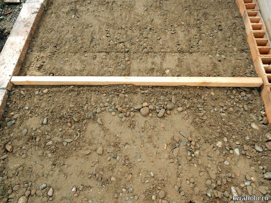 доска (брусок) для выравнивания толшины поверхности основания под брусчатку